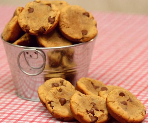 صورة طريقة عمل كوكيز البينت بتر بالتشوكليت شيبس لذيذ سريع وسهل pictures arabian cookies recipes in arabic cookie recipe easy