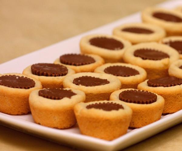صورة طريقة عمل كوكيز peanut butter cup cookiesلذيذ سريع وسهل pictures arabian cookies recipes in arabic easy