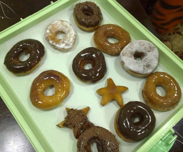 صورة كيفية طريقة عمل الدونات دونات كرسبي كريم هشه لذيذه سريعه وسهله pictures arabian doughnut recipes donuts in arabic easy