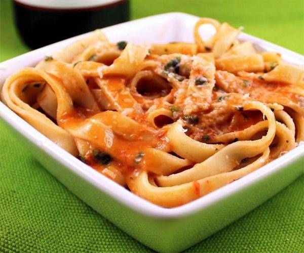 صورة طريقة عمل باستا معكرونة فوتشيني صيني لذيذه سريعه وسهله pictures arabian fettuccine pasta recipes in