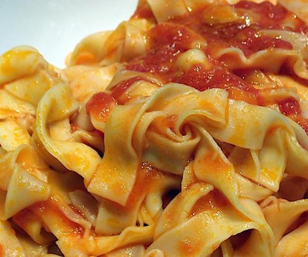 صورة طريقة عمل باستا معكرونة فيتوتشيني روعه لذيذه سريعه وسهله pictures arabian fettuccine pasta recipes in