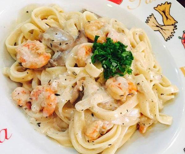 صورة طريقة عمل مكرونة فوتشيني الفريدو بالروبيان لذيذه سريعه وسهله pictures arabian fettuccine pasta recipes in arabic food recipe easy