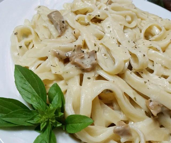 http://www.encyclopediacooking.com/assesst/img/fettuccine-recipes-in-arabic-middle-eastern-fettuccine-pasta-2-recipe.jpg