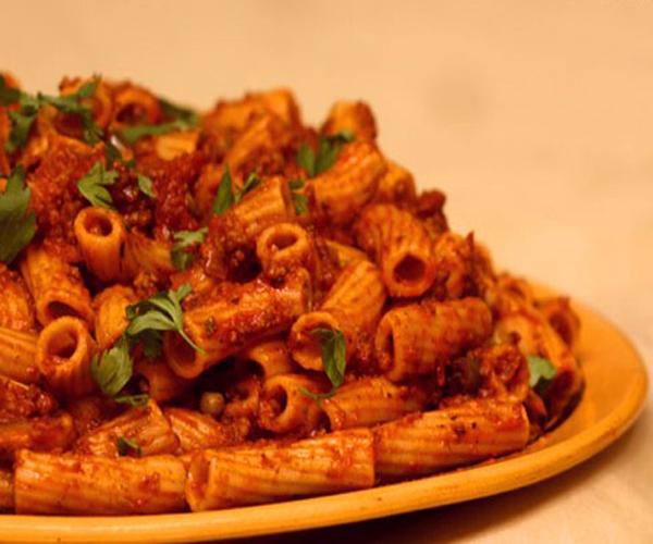 صورة كيفية طريقة تحضير وعمل مكرونه باللحم المفروم سهله ولذيذه وسريعه pictures arabian macaroni pasta recipes in arabic easy