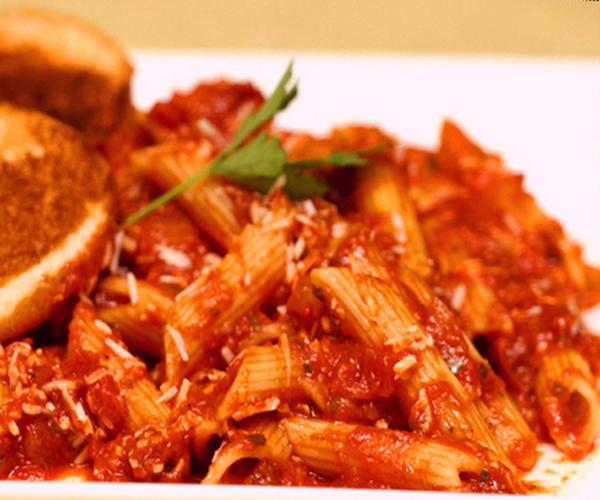 صورة كيفية طريقة تحضير وعمل مكرونة بيني اربياتا سهله ولذيذه وسريعه pictures arabian macaroni pasta recipes in arabic easy