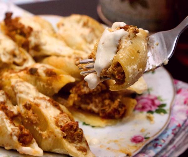 صورة كيفية طريقة تحضير وعمل مكرونة اصداف مع صوص الفريدو الجاهز سهله ولذيذه وسريعه pictures arabian macaroni pasta recipes in arabic easy