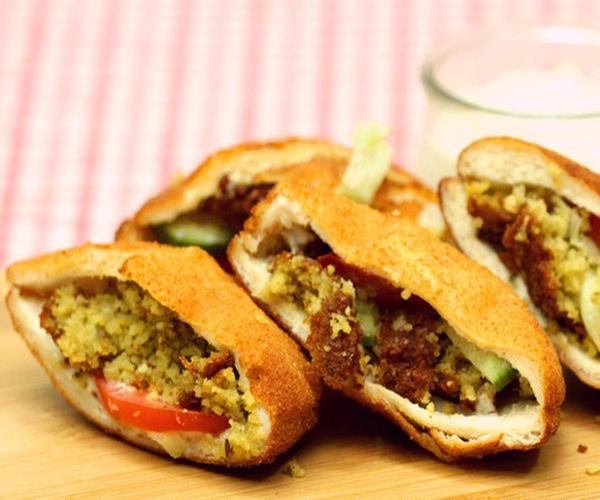 صورة طريقة عمل فطائر فطاير جيب التاجر بحشوة الفلافل لذيذه سريعه وسهله pictures arabian pie fatayer recipes in arabic food recipe easy