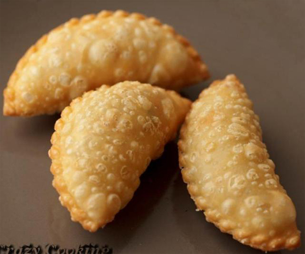 صورة كيفية طريقة تحضير عمل السمبوسك المقرمش سهلة ولذيذة وسريعة pictures arabian samosa pastry recipes in arabic easy