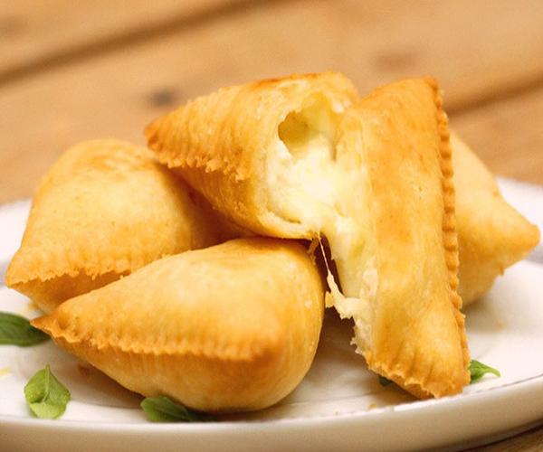 صورة كيفية طريقة تحضير سمبوسة الأجبان سهلة ولذيذة وسريعة pictures arabian samosa pastry recipes in arabic easy