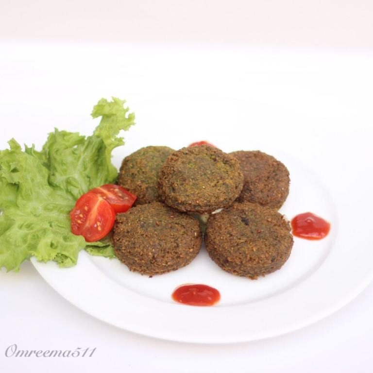 http://www.encyclopediacooking.com/food-recipes-photos/arabic-food-cooking-recipes-in-arabic-how-to-make-falafel-stuffed-mozzarella-cheese3.jpg