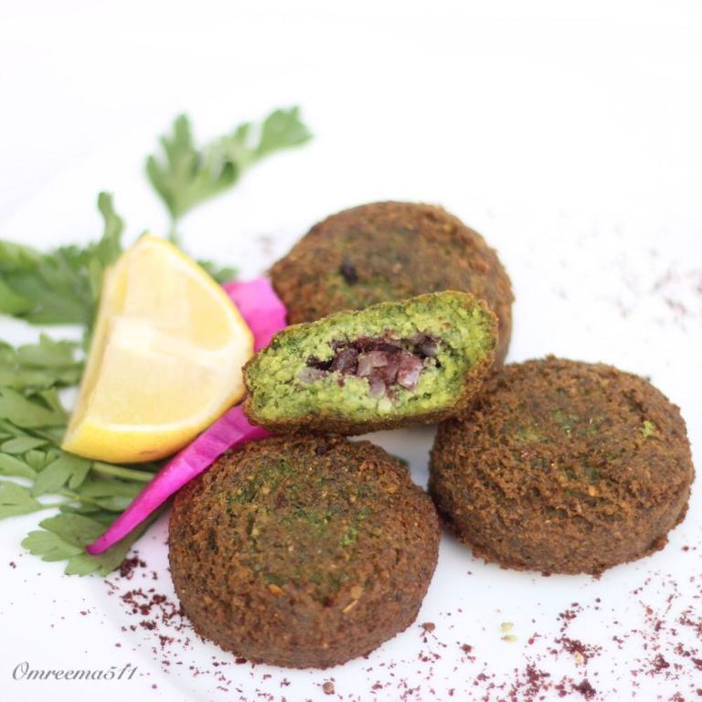 http://www.encyclopediacooking.com/food-recipes-photos/arabic-food-cooking-recipes-in-arabic-how-to-make-falafel-stuffed-onion-and-sumac.jpg
