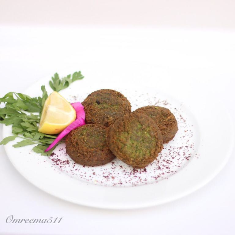 http://www.encyclopediacooking.com/food-recipes-photos/arabic-food-cooking-recipes-in-arabic-how-to-make-falafel-stuffed-onion-and-sumac3.jpg