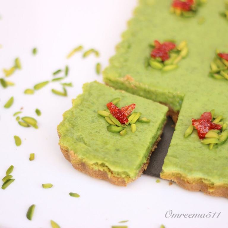 http://www.encyclopediacooking.com/food-recipes-photos/arabic-food-cooking-recipes-in-arabic-how-to-make-pistachio-sauce.jpg