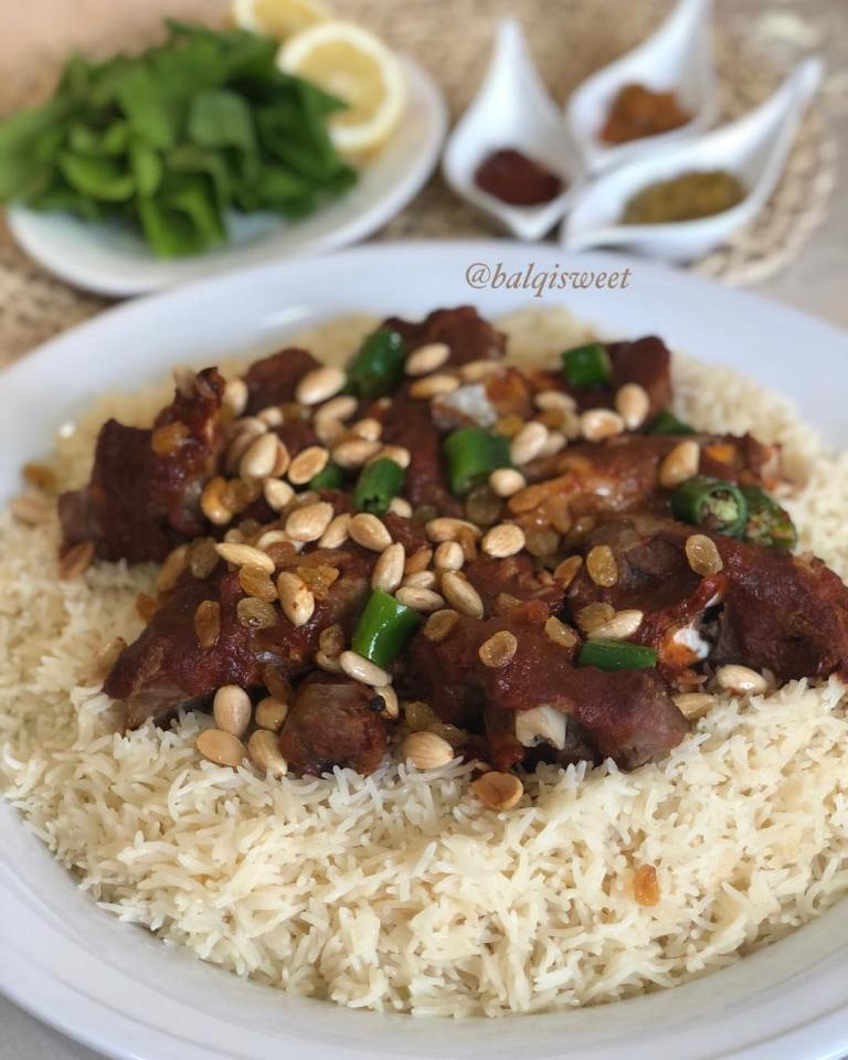 http://www.encyclopediacooking.com/food-recipes-photos/arabic-food-cooking-recipes-in-arabic-rice-arabic-medini-Balqees-Al-Haidari.jpg