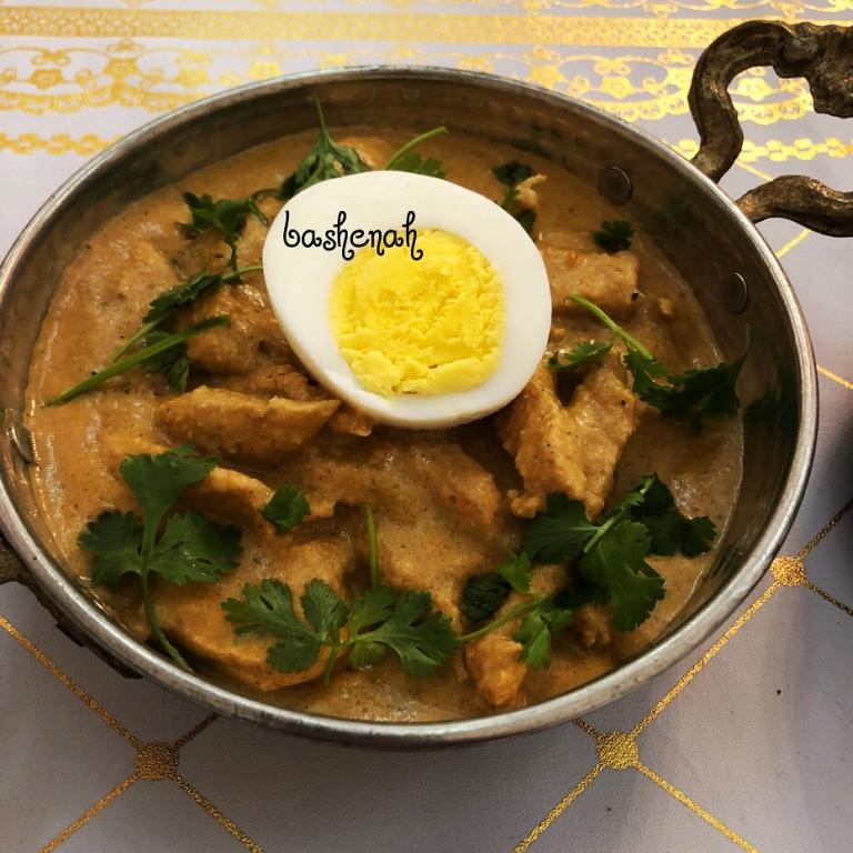 http://www.encyclopediacooking.com/food-recipes-photos/arabic-food-cooking-recipes-in-arabic-yasmeen-al-turki-21.jpg