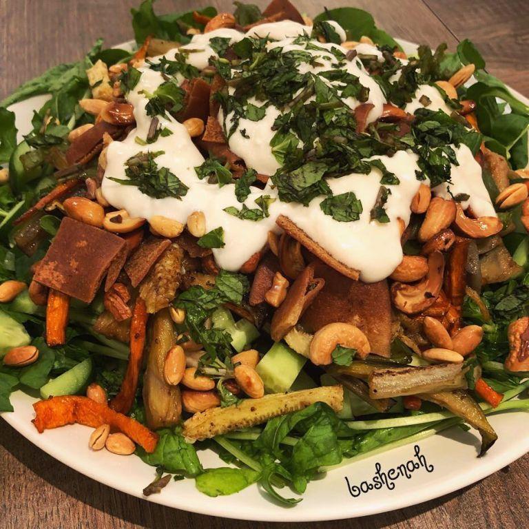 http://www.encyclopediacooking.com/food-recipes-photos/arabic-food-cooking-recipes-in-arabic-yasmeen-al-turki-4.jpg