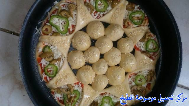 http://www.encyclopediacooking.com/upload_recipes_online/uploads/images_%D8%A8%D9%8A%D8%AA%D8%B2%D8%A7-%D8%B9%D9%84%D9%89-%D8%B4%D9%83%D9%84-%D9%88%D8%B1%D8%AF%D8%A92.jpg