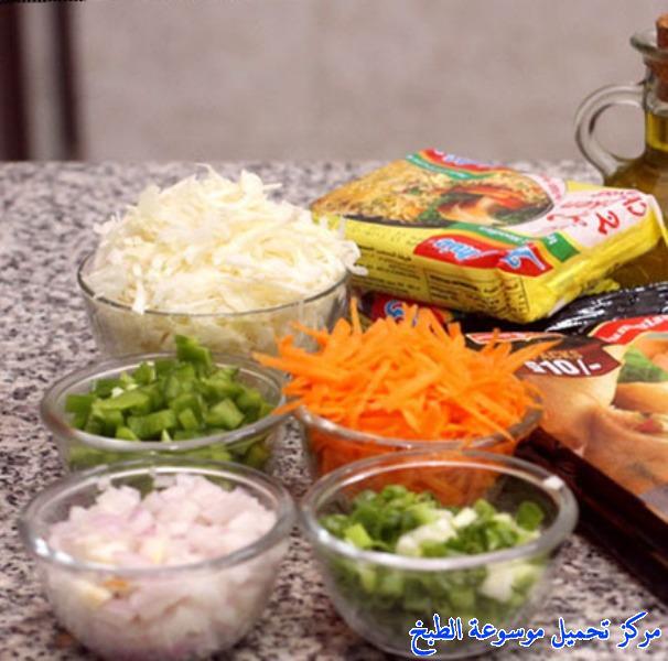 http://www.encyclopediacooking.com/upload_recipes_online/uploads/images_حشوة-الاندومي-بالصور-خطوة-خطوة.jpg