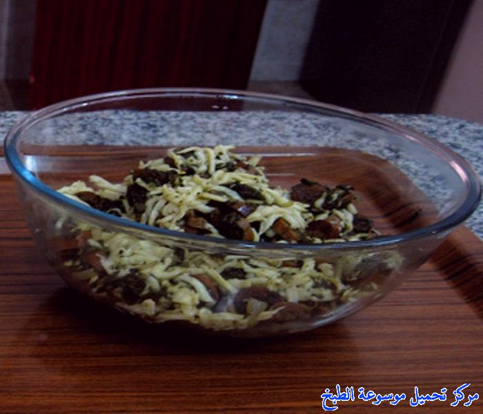 http://www.encyclopediacooking.com/upload_recipes_online/uploads/images_حشوة-النقانق-والسبانخ-بالصور.jpg
