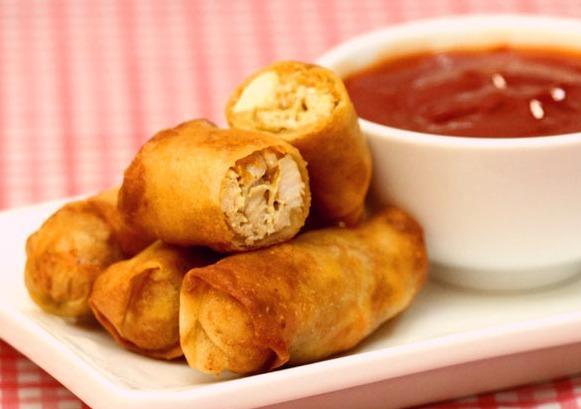 طريقة عمل مقبلات سبرنج رول بالدجاج بالصورmiddle eastern homemade appetizers food recipes arabic