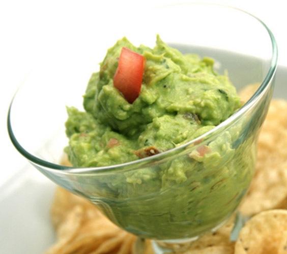 طريقة عمل صلصة صوص الغواكامولي بالصور_middle eastern homemade avocado sauce food recipes arabic