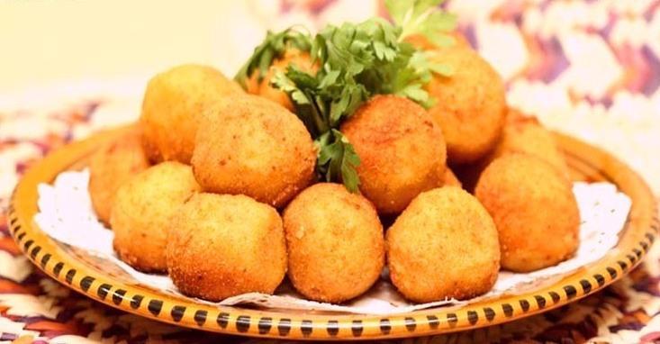 طريقة عمل كرات البطاطس بالجبن بالصور