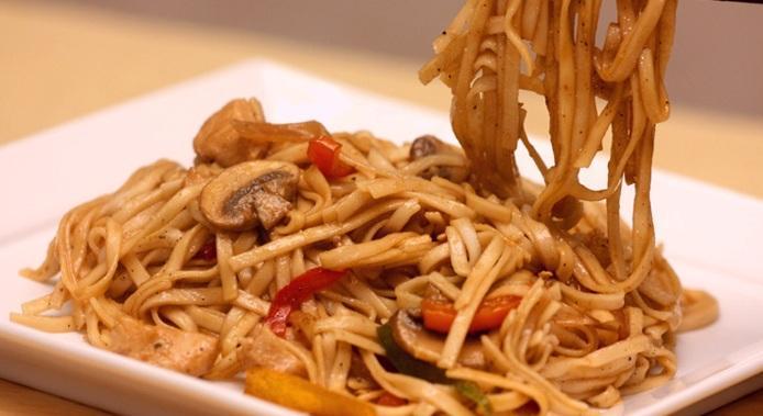 صورة وصفة كيفية طريقة اطباق واكلات عمل المكرونة فروحة الامارات بالصور سهله وسريعه ولذيذة