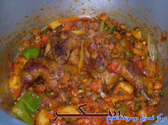 http://www.encyclopediacooking.com/upload_recipes_online/uploads/images_arabic-food-cooking-qatari-cuisine-recipe-3-%D8%B5%D9%88%D8%B1%D8%A9-%D8%A7%D9%83%D9%84%D8%A9-%D9%85%D8%B4%D8%AE%D9%88%D9%84-%D8%AF%D8%AC%D8%A7%D8%AC-%D9%82%D8%B7%D8%B1%D9%8A.jpg