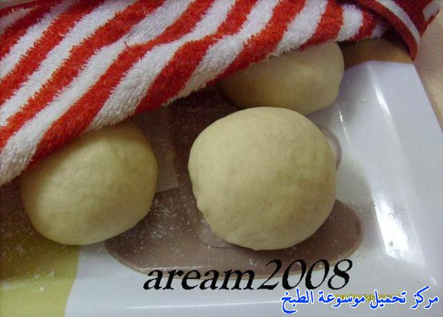 http://www.encyclopediacooking.com/upload_recipes_online/uploads/images_arabic-lebanon-bread-lebanese-recipe-%D8%B7%D8%B1%D9%8A%D9%82%D8%A9-%D8%A7%D9%84%D8%AE%D8%A8%D8%B2-%D8%A7%D9%84%D9%84%D8%A8%D9%86%D8%A7%D9%86%D9%8A-%D8%A7%D9%84%D9%85%D9%86%D8%B2%D9%84%D9%8A-%D8%A8%D8%A7%D9%84%D8%B5%D9%88%D8%B14.jpg