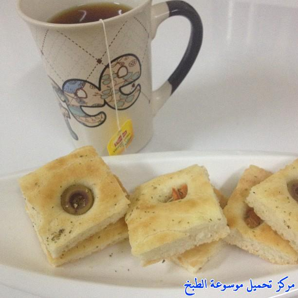 http://www.encyclopediacooking.com/upload_recipes_online/uploads/images_cooking-recipes-in-arabic-language-%D8%B7%D8%B1%D9%8A%D9%82%D8%A9-%D8%B9%D9%85%D9%84-%D8%AE%D8%A8%D8%B2-%D8%A7%D9%84%D9%81%D9%88%D9%83%D8%A7%D8%B4%D9%8A%D8%A7-%D8%A7%D9%84%D8%A7%D9%8A%D8%B7%D8%A7%D9%84%D9%8A-%D9%84%D8%B0%D9%8A%D8%B0-%D8%B3%D9%87%D9%84%D8%A9-%D8%A8%D8%A7%D9%84%D8%B5%D9%88%D8%B1.jpg