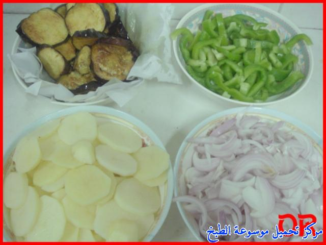 http://www.encyclopediacooking.com/upload_recipes_online/uploads/images_easy-cooking-dishes-arabic-food-recipes-in-arabic-%D8%B5%D9%88%D8%B1%D8%A9-%D8%B9%D9%85%D9%84-%D9%85%D9%82%D9%84%D9%88%D8%A8%D8%A9-%D8%A7%D9%84%D8%AF%D8%AC%D8%A7%D8%AC.jpg
