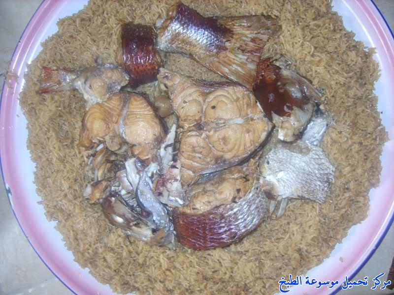 http://www.encyclopediacooking.com/upload_recipes_online/uploads/images_fish-sayadieh-recipe-in-arabic-%D8%B5%D9%8A%D8%A7%D8%AF%D9%8A%D8%A9-%D8%A7%D9%84%D8%B3%D9%85%D9%83-%D8%A7%D9%84%D8%AD%D8%AC%D8%A7%D8%B2%D9%8A%D8%A915.jpg