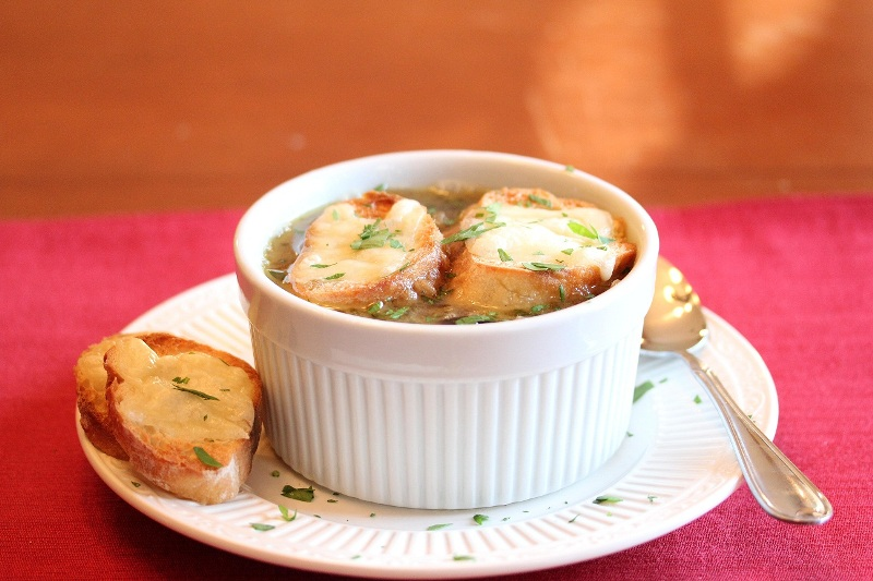 http://www.encyclopediacooking.com/upload_recipes_online/uploads/images_french-onion-soup-recipe.jpeg