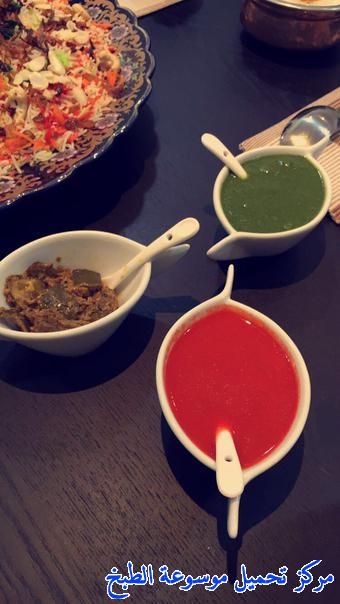 http://www.encyclopediacooking.com/upload_recipes_online/uploads/images_green-sauce-and-red-sauce.jpg