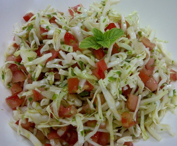 http://www.encyclopediacooking.com/upload_recipes_online/uploads/images_how-to-make-best-easy-homemade-cabbage-tomato-salad-recipe5.jpg