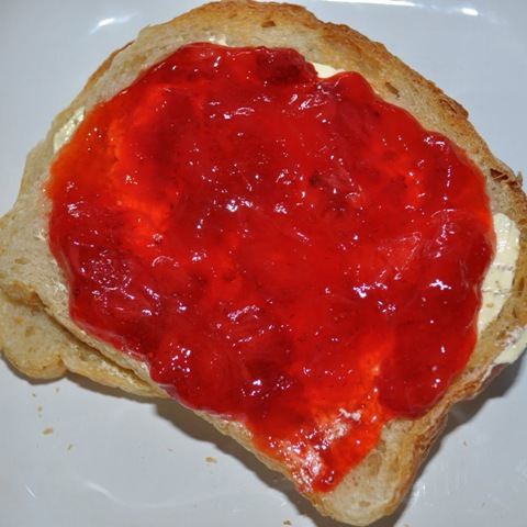 http://www.encyclopediacooking.com/upload_recipes_online/uploads/images_how-to-make-easy-freezer-jam-recipe.jpg