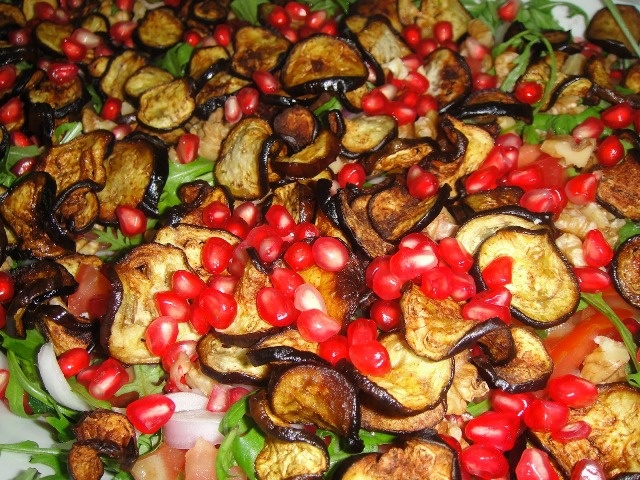 http://www.encyclopediacooking.com/upload_recipes_online/uploads/images_how-to-make-easy-homemade-aubergine-pomegranate-salad-recipe.jpg