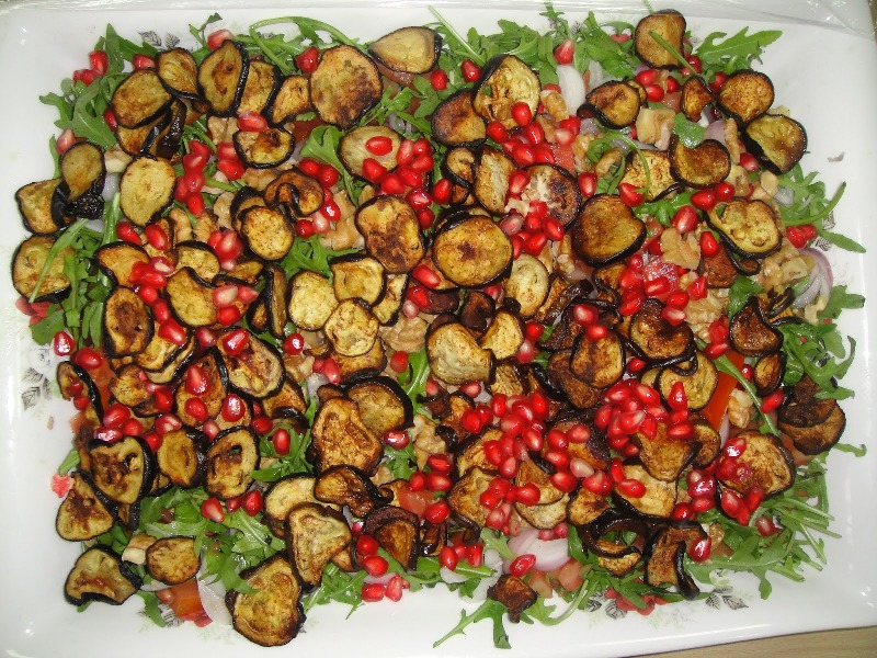 http://www.encyclopediacooking.com/upload_recipes_online/uploads/images_how-to-make-easy-homemade-aubergine-pomegranate-salad-recipe5.jpg