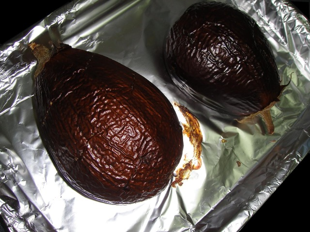 http://www.encyclopediacooking.com/upload_recipes_online/uploads/images_how-to-make-easy-homemade-eggplant-baba-ganoush-salad-recipe4.jpg