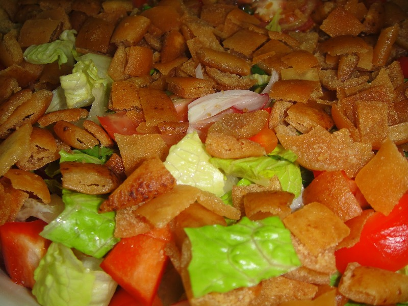 http://www.encyclopediacooking.com/upload_recipes_online/uploads/images_how-to-make-easy-homemade-fattoush-salad-recipe-with-images.jpg