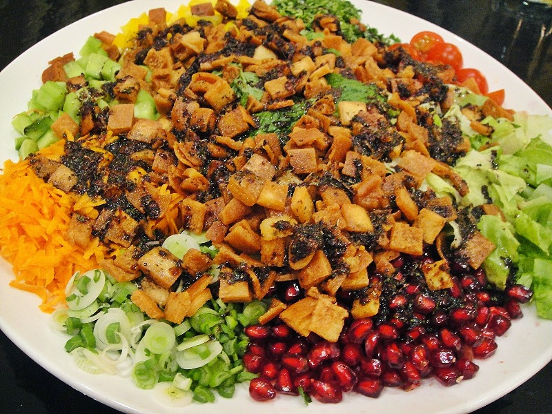http://www.encyclopediacooking.com/upload_recipes_online/uploads/images_how-to-make-easy-homemade-iraqi-fattoush-salad-recipe-with-dressing.jpg