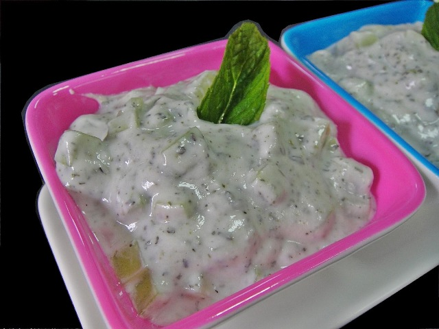 http://www.encyclopediacooking.com/upload_recipes_online/uploads/images_how-to-make-easy-homemade-jajeek-iraq-cucumber-yogurt-salad-recipe5.jpg