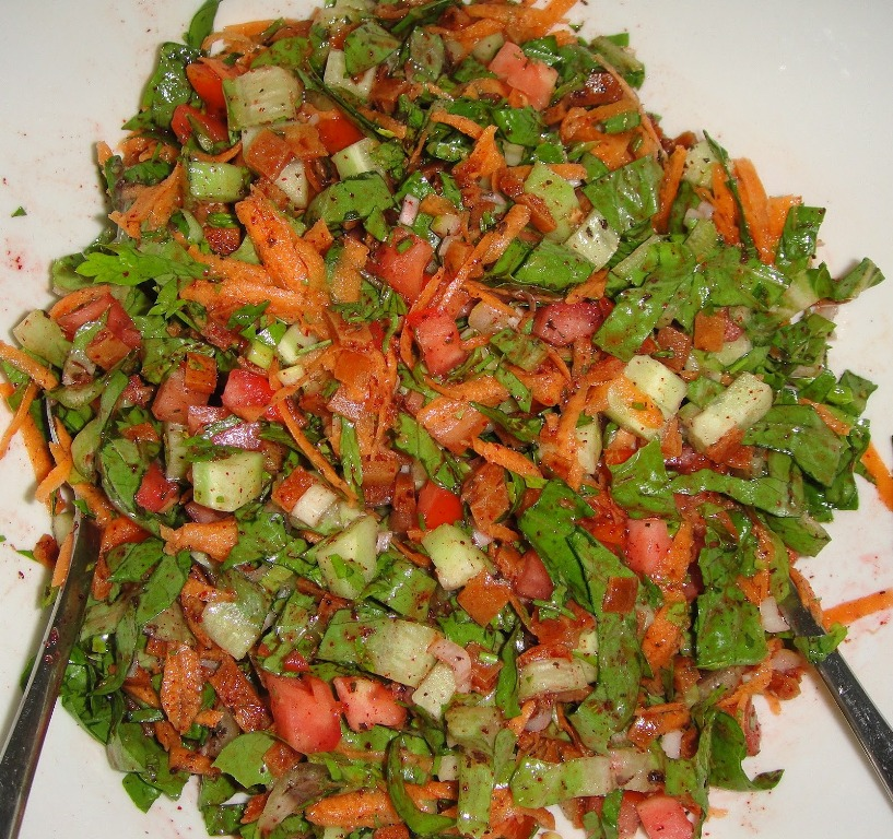 http://www.encyclopediacooking.com/upload_recipes_online/uploads/images_how-to-make-easy-homemade-lebanese-fattoush-salad-recipe-with-dressing.jpg