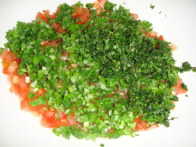 http://www.encyclopediacooking.com/upload_recipes_online/uploads/images_how-to-make-easy-homemade-tabbouleh-salad-recipe4.jpg