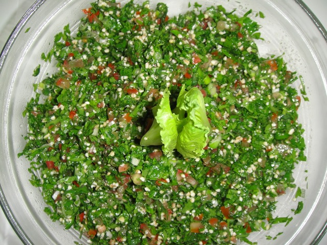 http://www.encyclopediacooking.com/upload_recipes_online/uploads/images_how-to-make-easy-homemade-tabbouleh-salad-recipe7.jpg