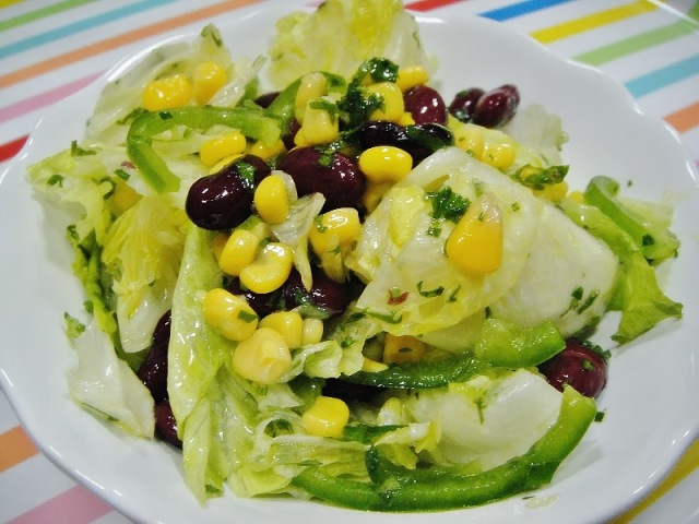 http://www.encyclopediacooking.com/upload_recipes_online/uploads/images_how-to-make-easy-mexican-green-salad-recipe-step-by-step.jpg