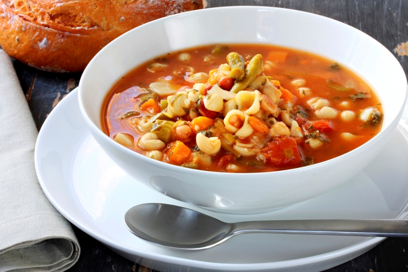 http://www.encyclopediacooking.com/upload_recipes_online/uploads/images_how-to-make-homemade-italian-minestrone-soup-recipe.jpg
