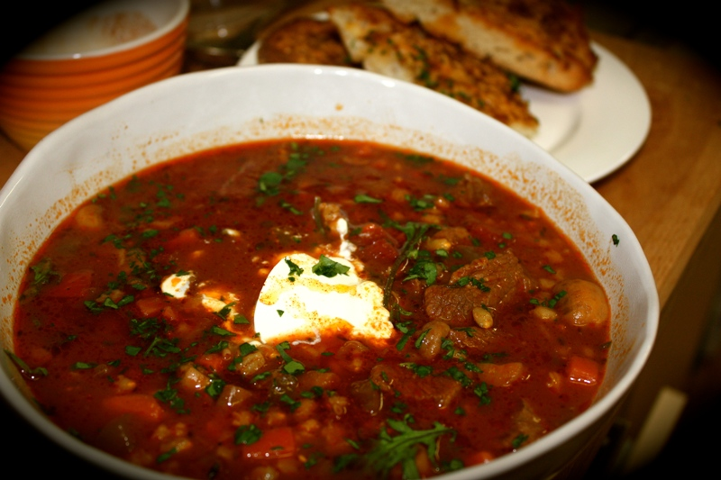 http://www.encyclopediacooking.com/upload_recipes_online/uploads/images_how-to-make-middle-eastern-homemade-veal-paprika-soup-recipe.jpg
