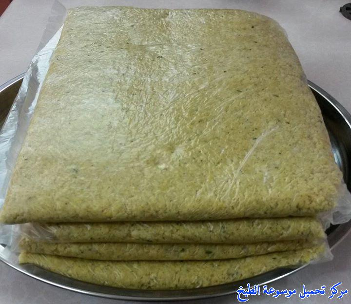 http://www.encyclopediacooking.com/upload_recipes_online/uploads/images_iraqi-food-recipes-5-%D8%B7%D8%B1%D9%8A%D9%82%D8%A9-%D8%B9%D9%85%D9%84-%D9%81%D9%84%D8%A7%D9%81%D9%84-%D8%B9%D8%B1%D8%A7%D9%82%D9%8A%D8%A9-%D8%A8%D8%A7%D9%84%D8%B5%D9%88%D8%B1.jpg