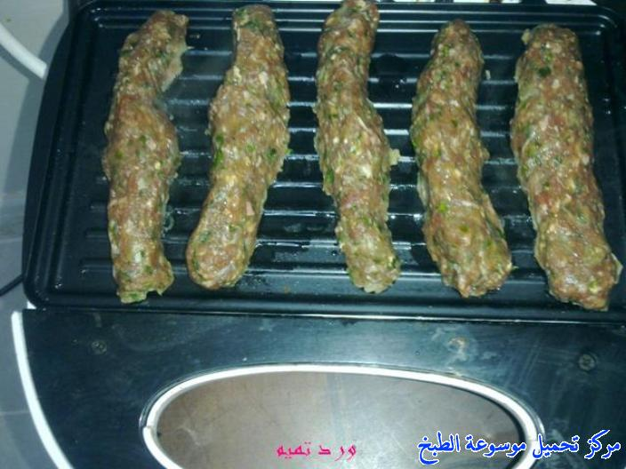 http://www.encyclopediacooking.com/upload_recipes_online/uploads/images_kebab-sandwich-recipe-%D8%B3%D9%86%D8%AF%D9%88%D9%8A%D8%B4%D8%A7%D8%AA-%D9%83%D8%A8%D8%A7%D8%A8-%D9%84%D8%AD%D9%853.jpg